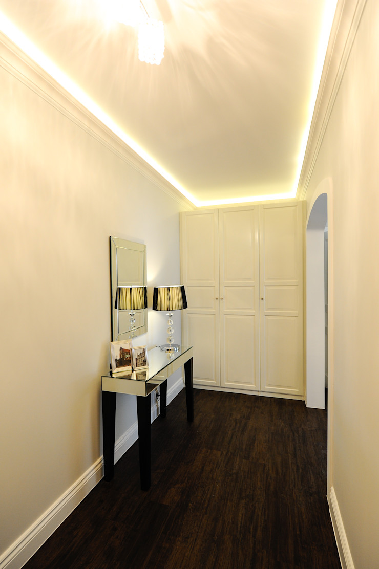 AgiDesign Classic style corridor, hallway and stairs