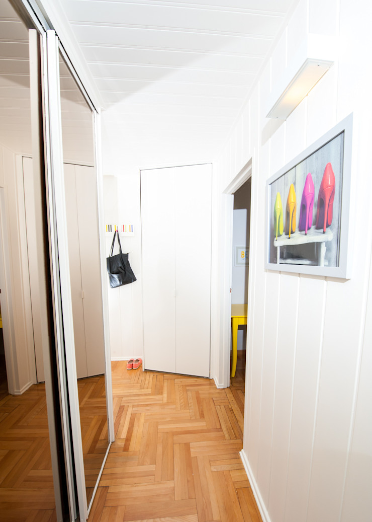 AgiDesign Modern Corridor, Hallway and Staircase
