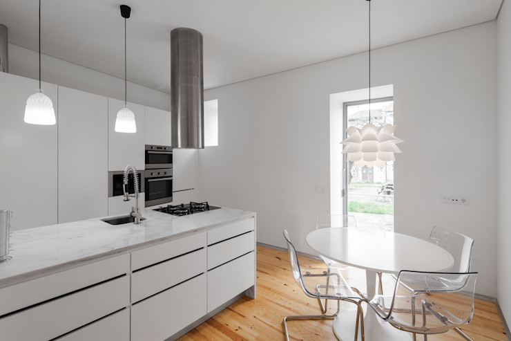 The Three Cusps Chalet Tiago do Vale Arquitectos Кухня