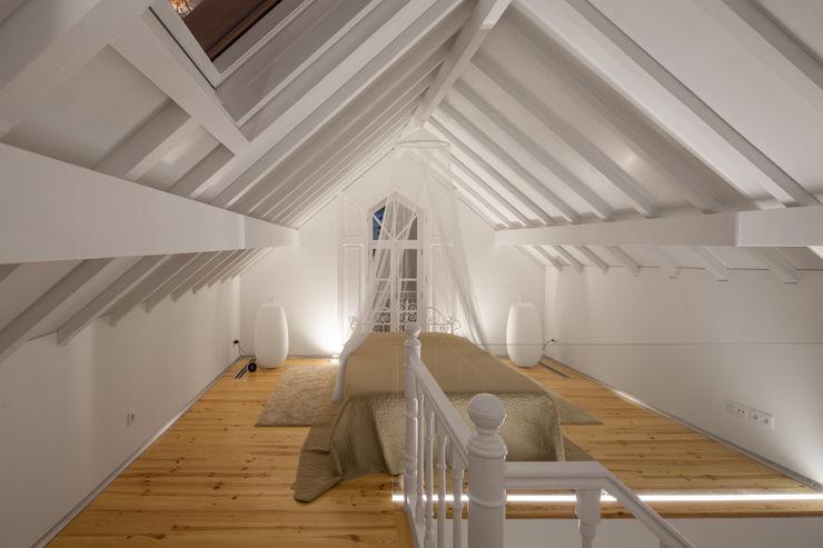 The Three Cusps Chalet Tiago do Vale Arquitectos Ausgefallene Schlafzimmer