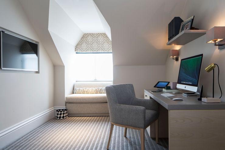 Home Office / Study Roselind Wilson Design Klassische Arbeitszimmer