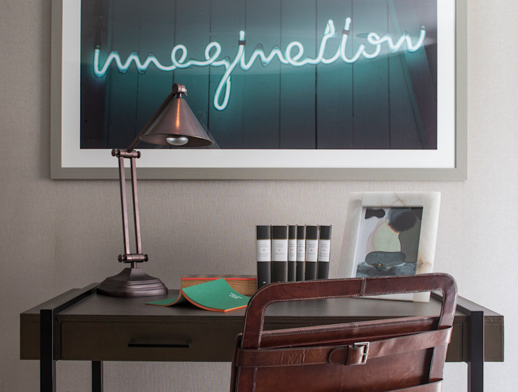 Eaton Mews North - Work space / Desk Roselind Wilson Design Living roomAccessories & decoration