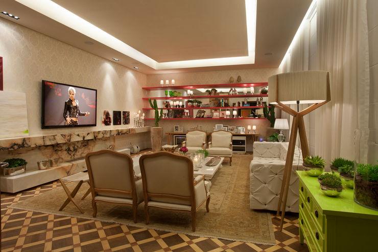 Guardini Stancati Arquitetura e Design Ruang Keluarga Klasik