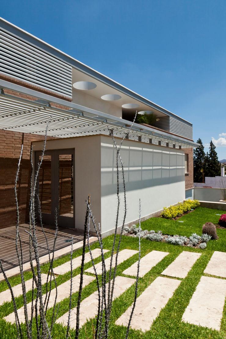 ARQUITECTURA EN PROCESO Modern Houses