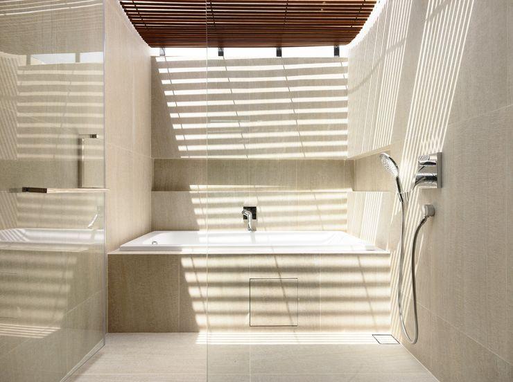 HYLA Architects Modern bathroom