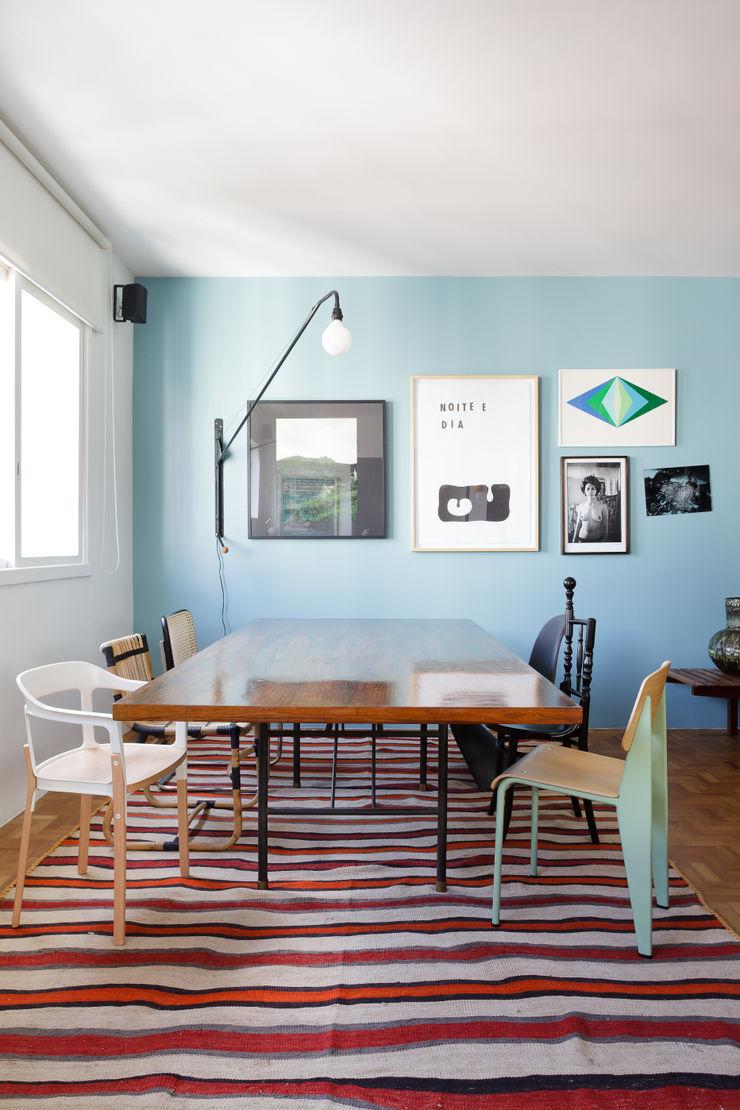 Mauricio Arruda Design Salas de jantar ecléticas