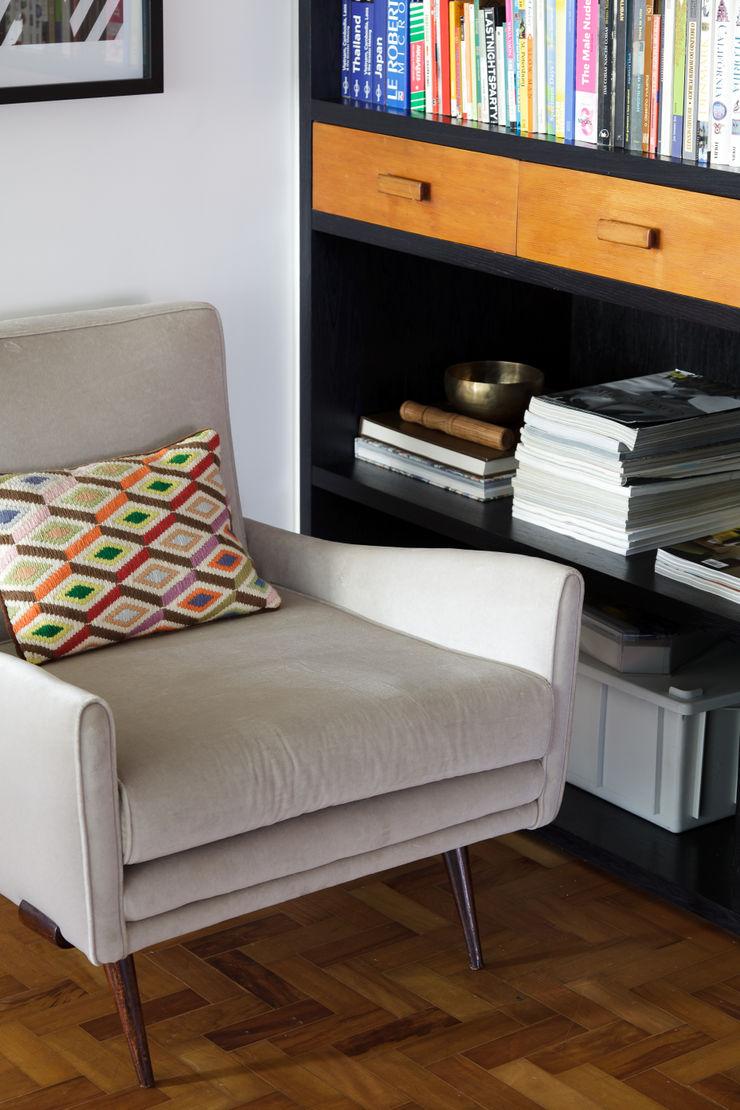 Mauricio Arruda Design Salas de estar ecléticas