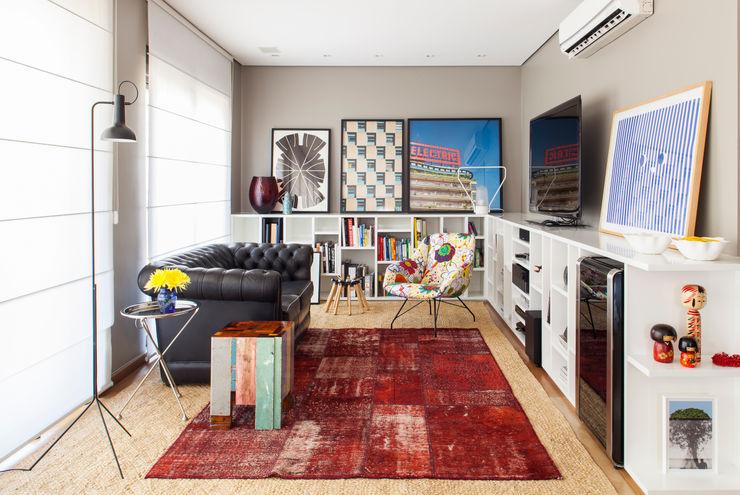 Mauricio Arruda Design Ruang Keluarga Gaya Eklektik