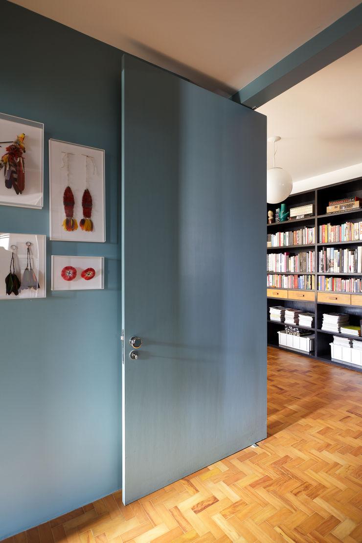 Mauricio Arruda Design Janelas e portas ecléticas