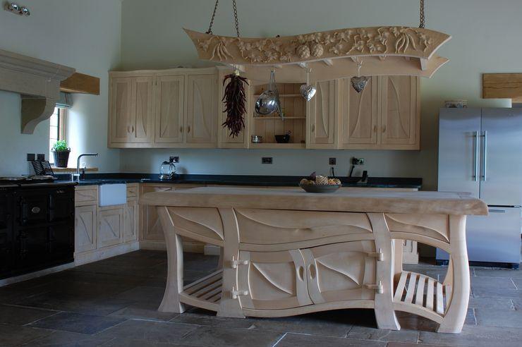 Manor house sculptural kitchen Carved Wood Design Bespoke Kitchens. MutfakDolap & Raflar