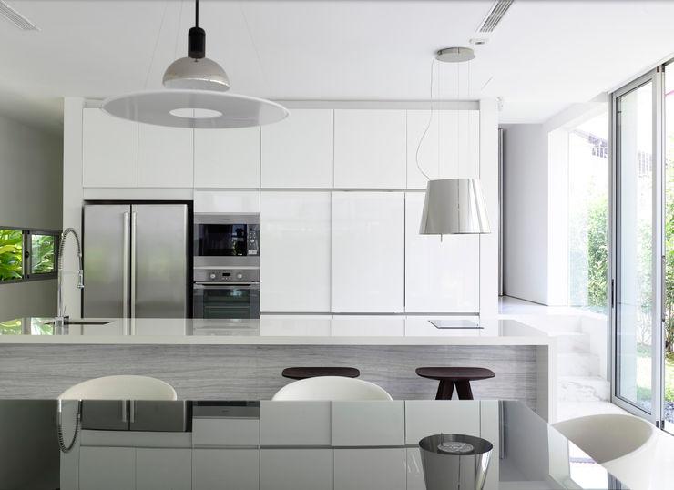 HYLA Architects Cocinas de estilo moderno