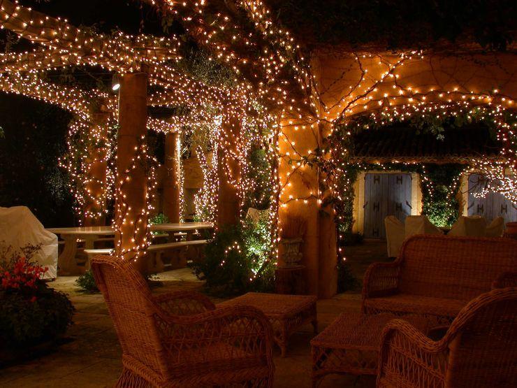Private Villa in French Riviera Cannata&Partners Lighting Design Balcones y terrazas de estilo clásico