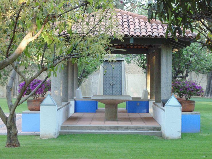 Taller Luis Esquinca Balcones y terrazas de estilo rural