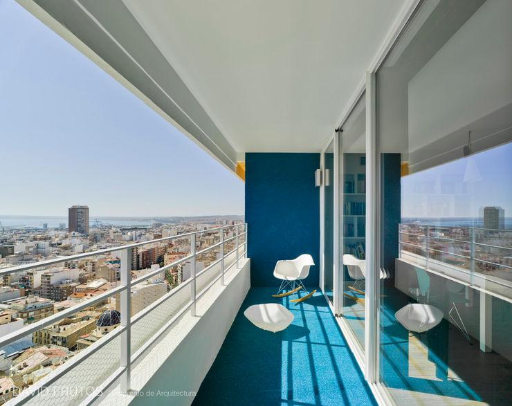 23rd floor FLAP STUDIO Casas de estilo moderno