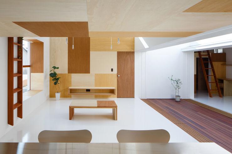 Idokoro ma-style architects Minimalistische Wohnzimmer