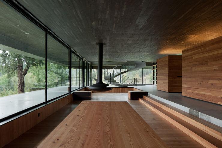 Duas casas em Monção JPL Arquitecto Salas de estar modernas