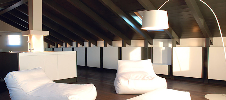 UNA MANSARDA OPEN Andrea Bella Concept Case in stile minimalista
