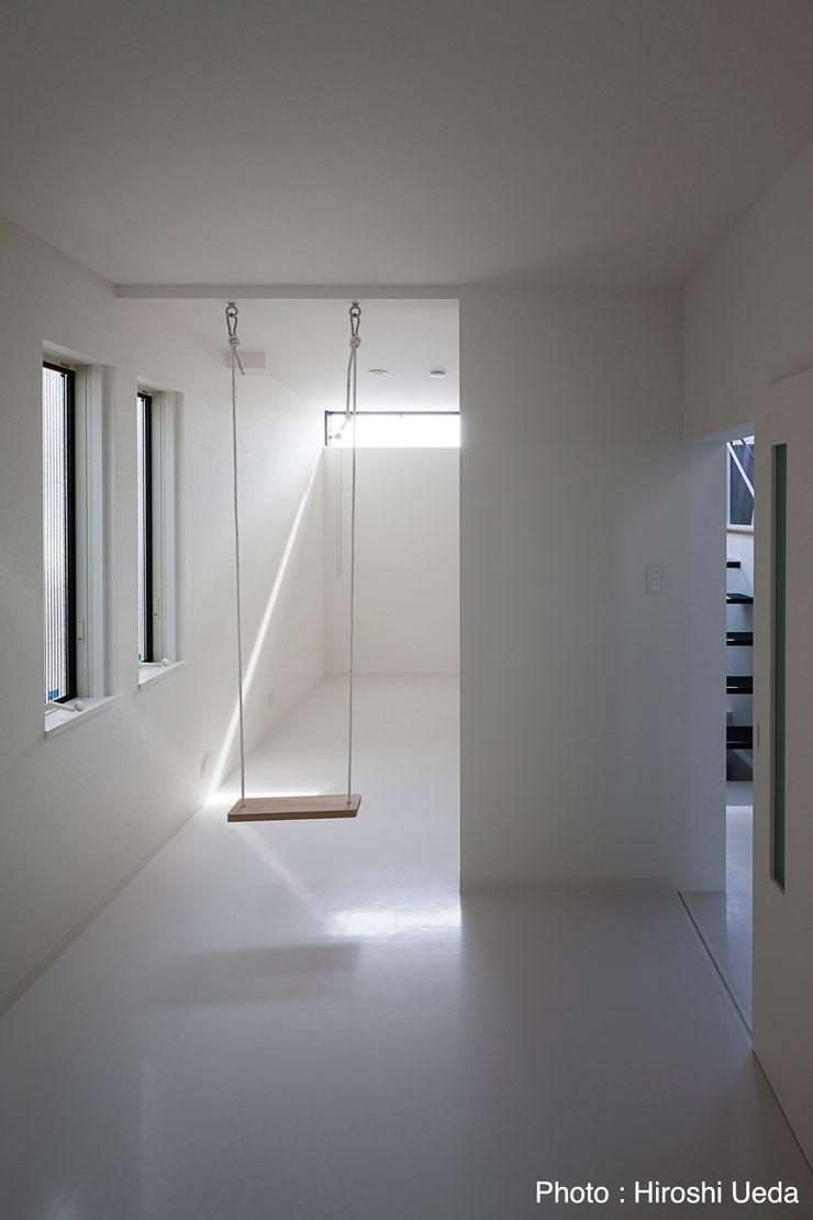 2階子供室 石川淳建築設計事務所 モダンデザインの 多目的室