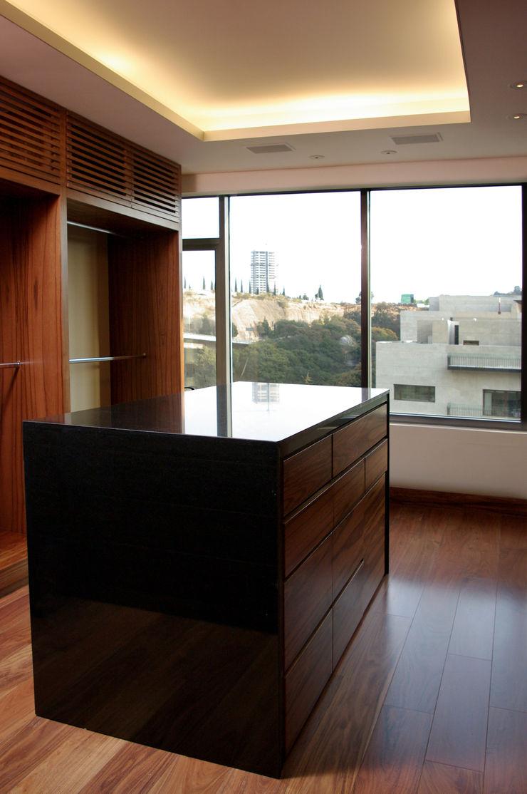 ArquitectosERRE Modern Dressing Room