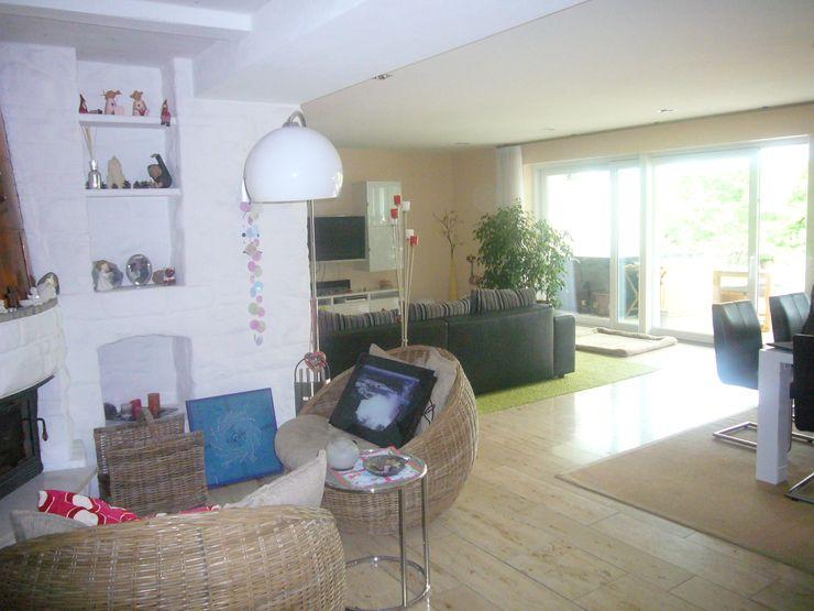 Kaminecke - vorher raum² - wir machen wohnen Moderne Wohnzimmer