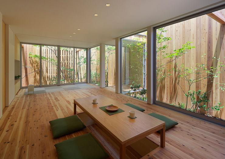 House of Nishimikuni arbol Salones modernos
