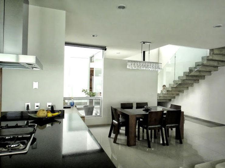 Abraham Cota Paredes Arquitecto Ruang Makan Modern