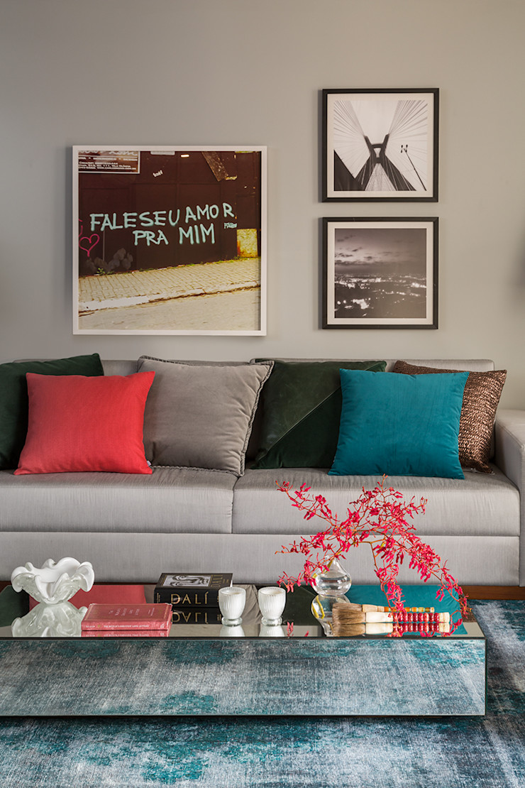 Lore Arquitetura Living roomSofas & armchairs