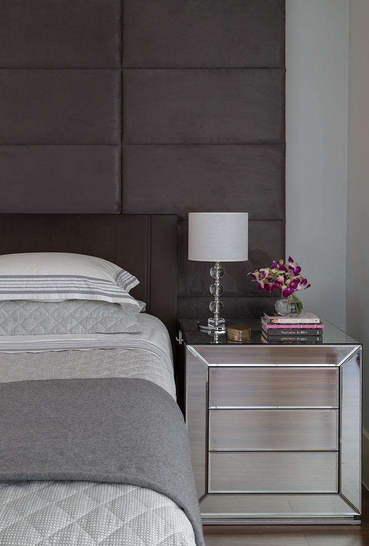 Lore Arquitetura BedroomBedside tables
