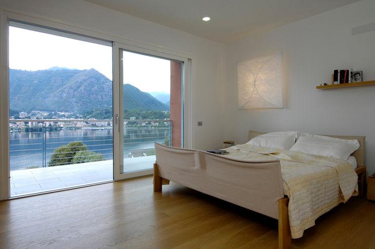 Villa sul Lago d'Orta BIANCHETTIARCHITETTURA SA Case moderne