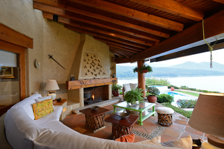 LOGUER Design Balcones y terrazas rústicos