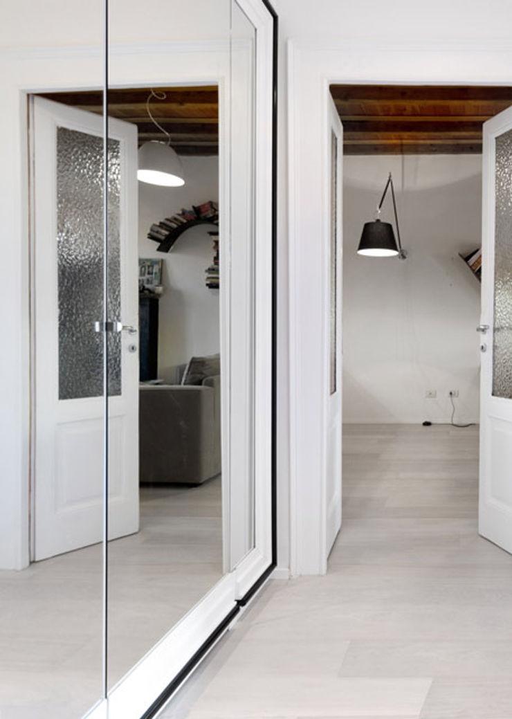 PAZdesign Corridor, hallway & stairsAccessories & decoration White