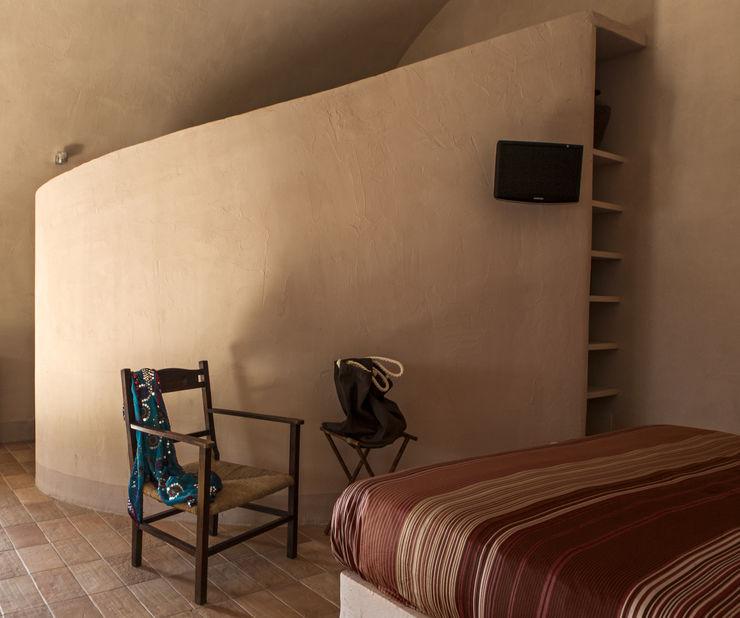 Lo studio di Giuliana Morelli Mediterranean style bedroom
