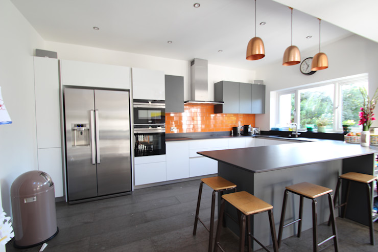 White and grey Schuller units with solid black Dekton worktops (by Cosentino) AD3 Design Limited Кухня