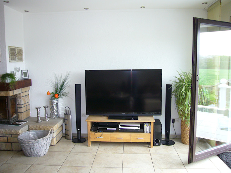 raum² - wir machen wohnen Modern style media rooms