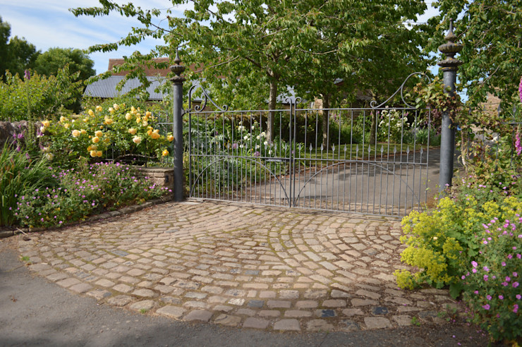 Wrough Iron Metal Gates Unique Landscapes Country style garden