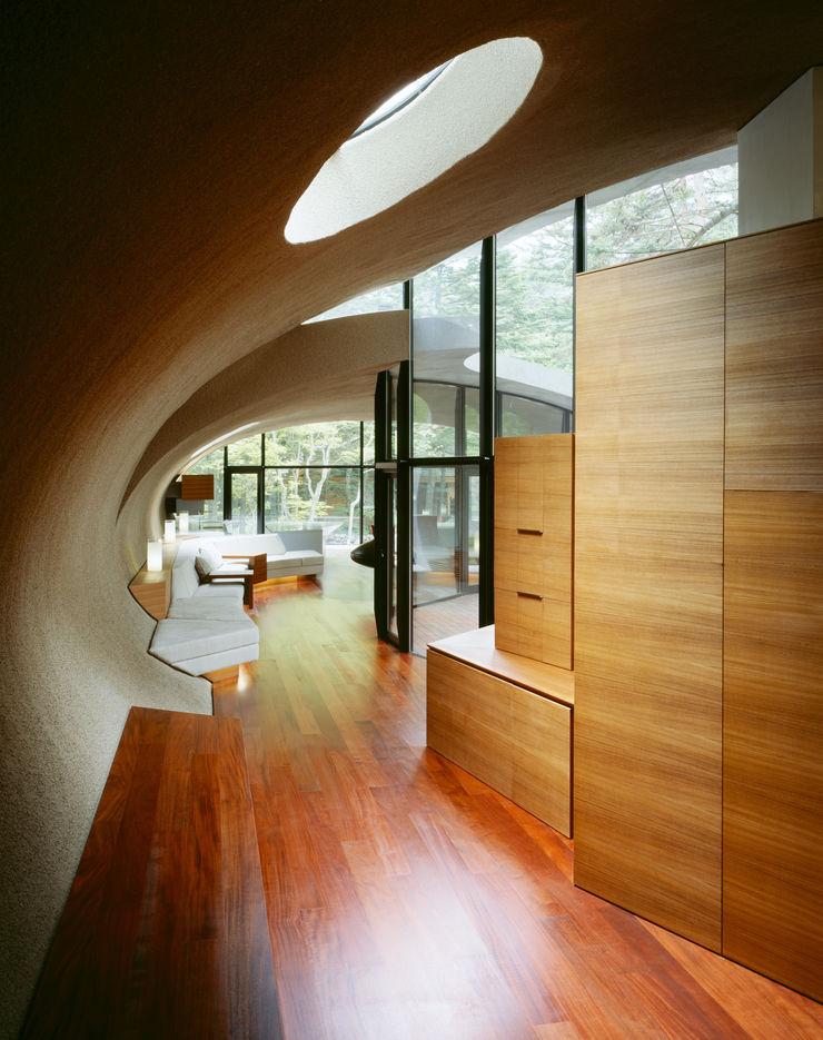 SHELL ARTechnic architects / アールテクニック Modern corridor, hallway & stairs