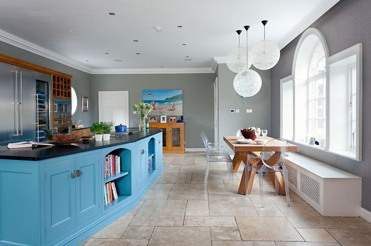 Oak and Hand painted kitchen Christopher Howard Built-in kitchens Wood Blue
