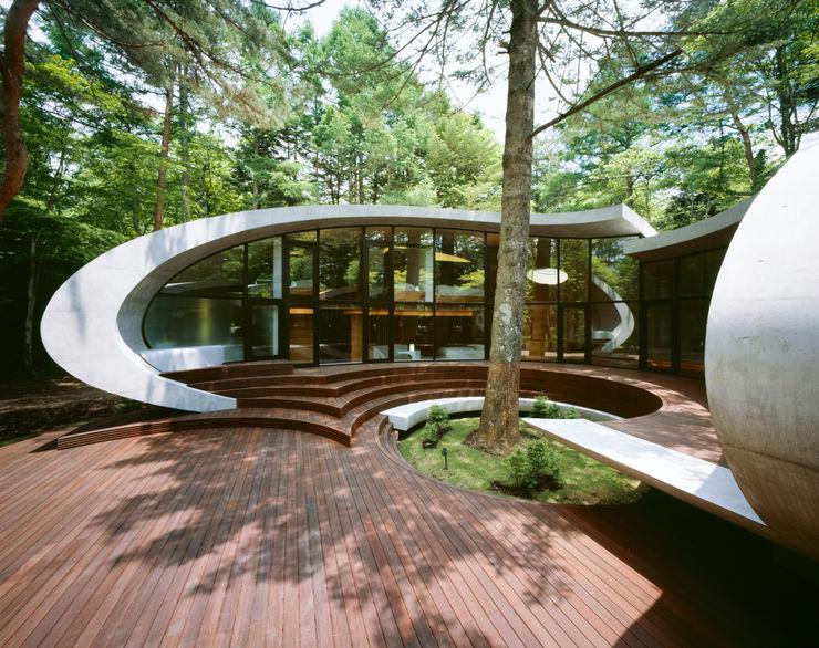 SHELL ARTechnic architects / アールテクニック Modern balcony, veranda & terrace