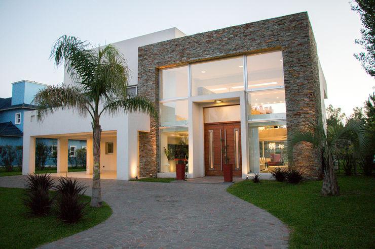 Metamorfosis arquitectònica: viejo espacio/nuevo uso LEBEL Casas modernas: Ideas, imágenes y decoración
