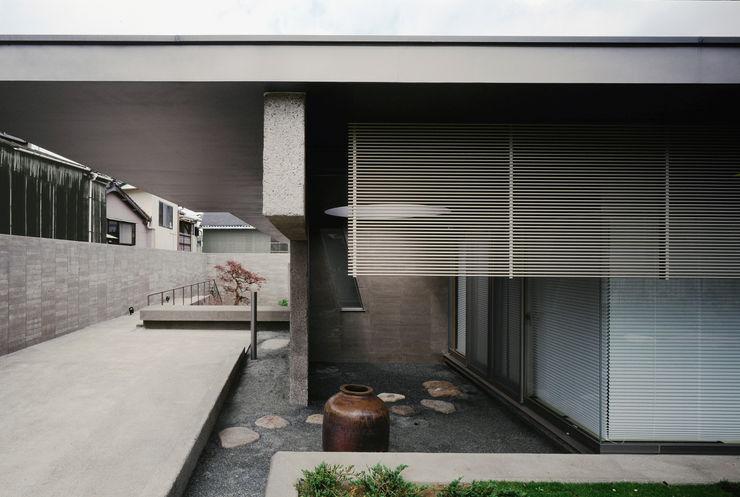 外観 JWA,Jun Watanabe & Associates モダンデザインの リビング