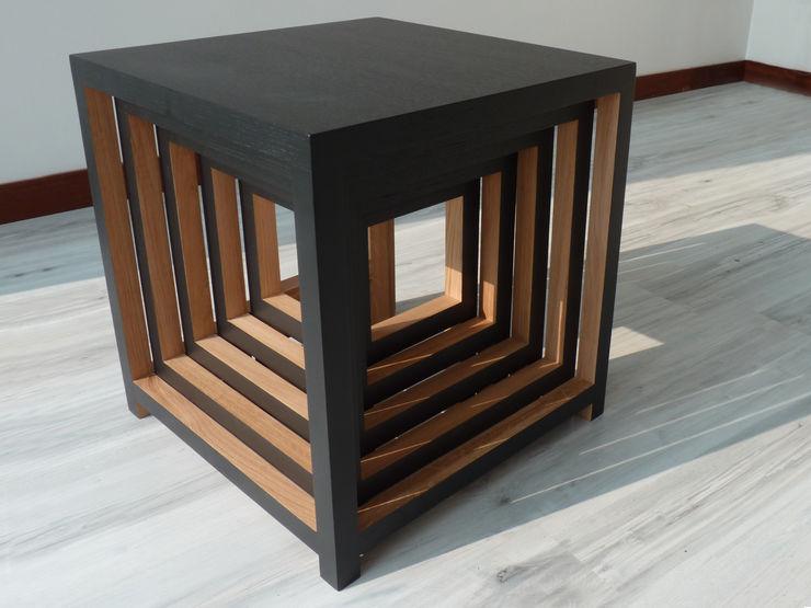 Mathieu Le Guern 客廳邊桌與托盤
