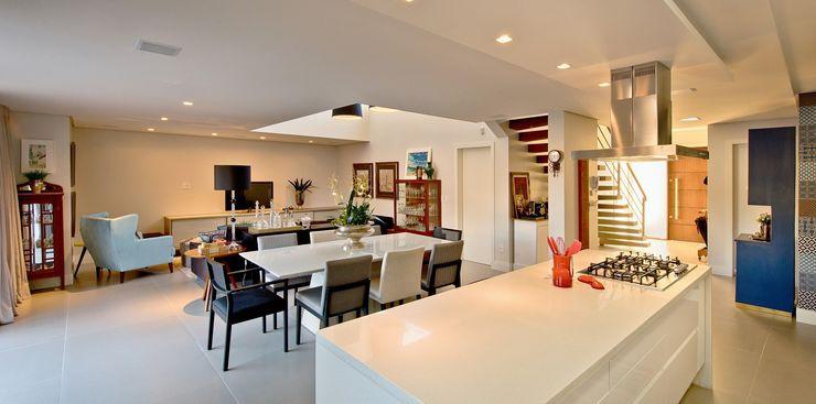 Área social integrada Espaço do Traço arquitetura Salas de jantar modernas