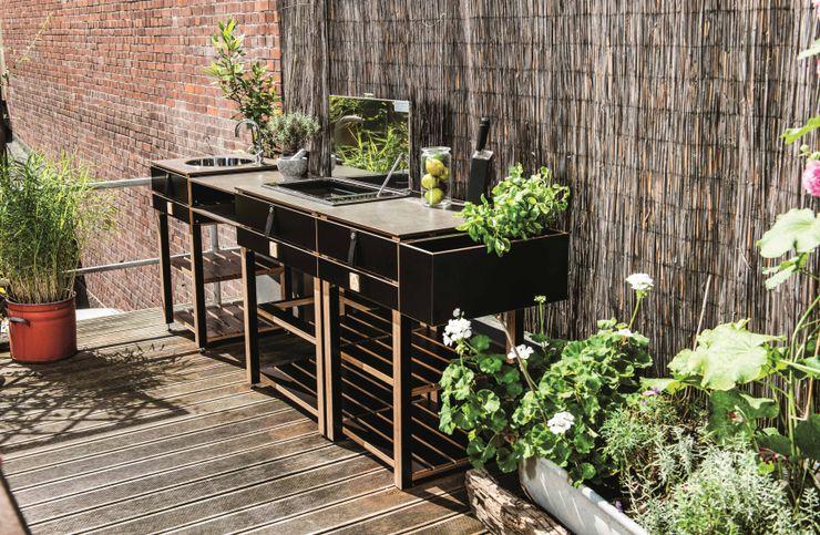 The modular Outdoor Kitchen Care OCQ - Outdoor Cooking Queen Varanda, alpendre e terraçoMobiliário