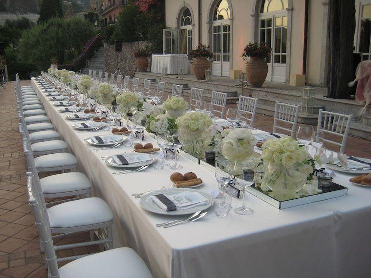 Tavolo Imperiale michelangelo finocchiaro Balcone, Veranda & Terrazza in stile moderno