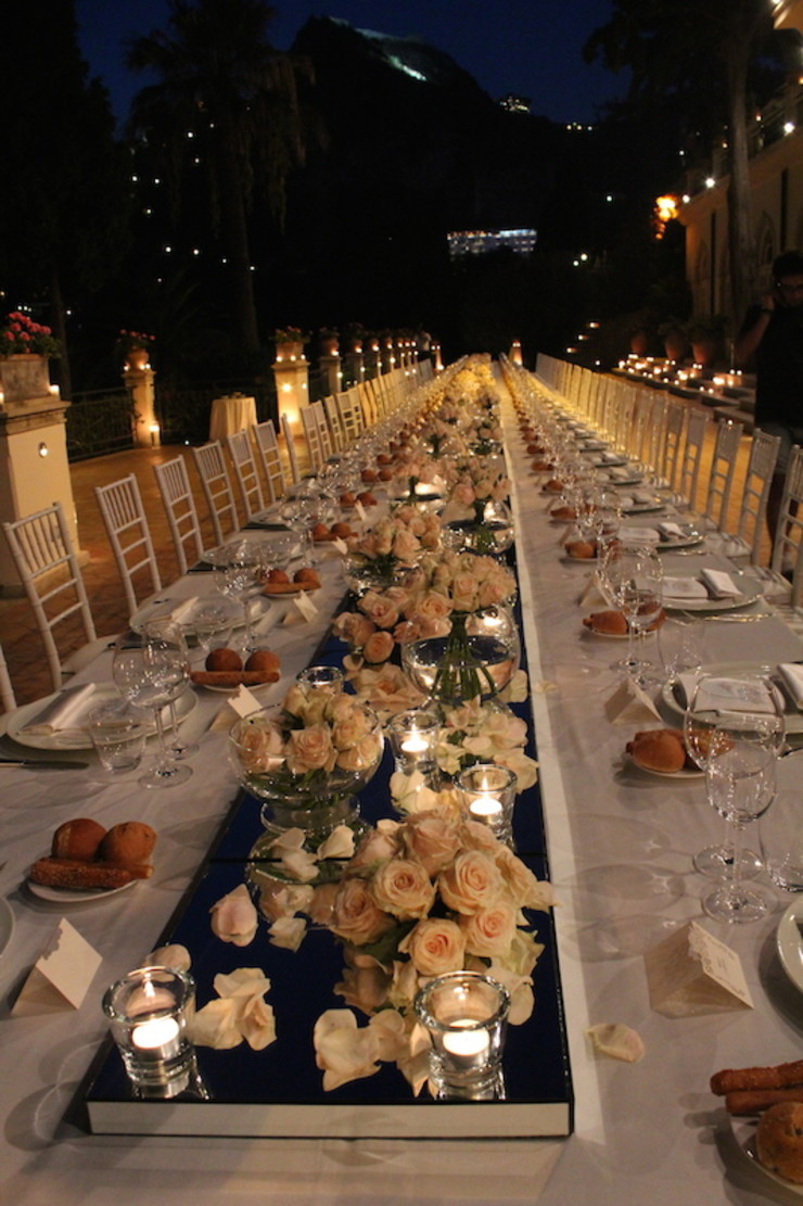 Tavolo Imperiale in rosa michelangelo finocchiaro Balcone, Veranda & TerrazzoAccessori & Decorazioni