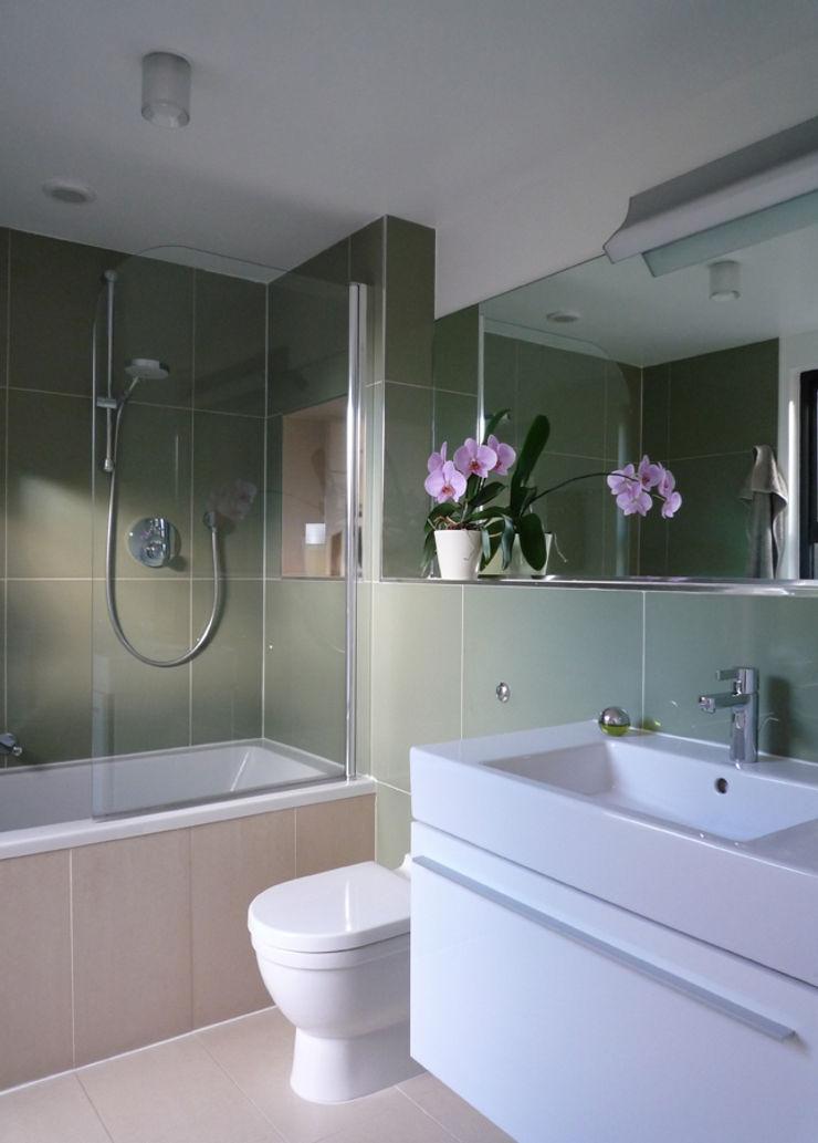 Family Bathroom ArchitectureLIVE 現代浴室設計點子、靈感&圖片