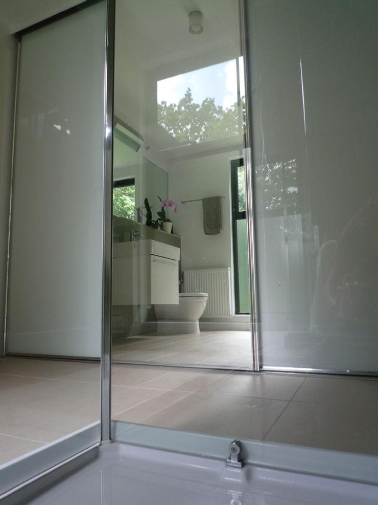 Ensuite Shower Room ArchitectureLIVE 現代浴室設計點子、靈感&圖片