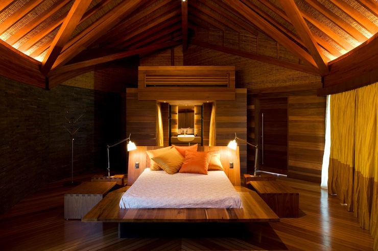 Mareines+Patalano Arquitetura Tropical style bedroom