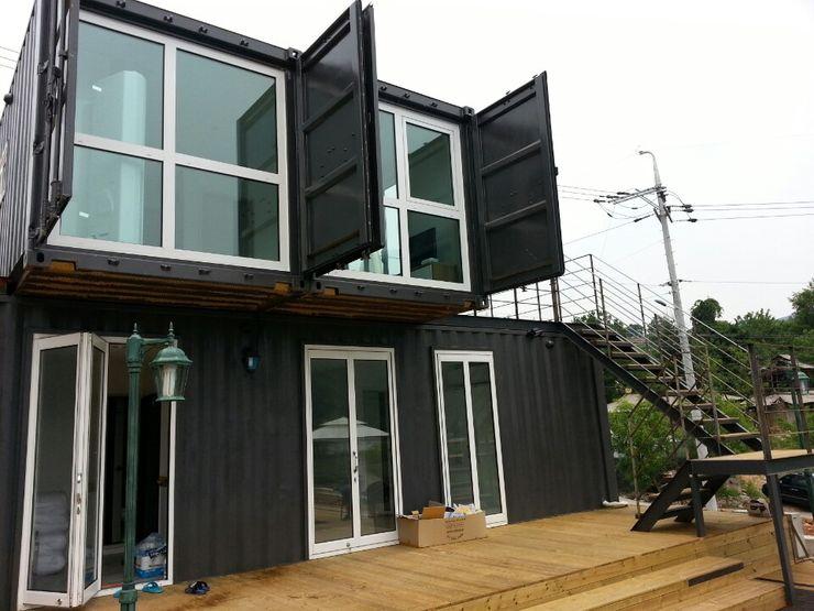 큐브디자인 건축사사무소 Puertas y ventanas de estilo moderno