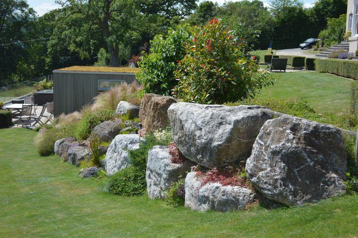 Boulders in the Garden Unique Landscapes Сад
